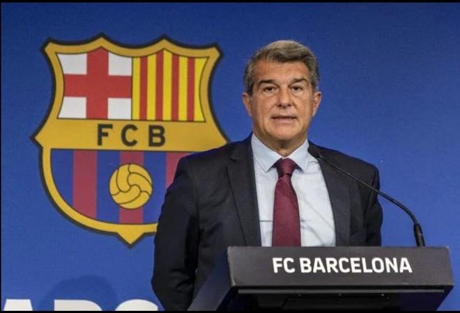 """Barcelona: """"Chết đuối vớ được cọc tre"""" ảnh 3"""