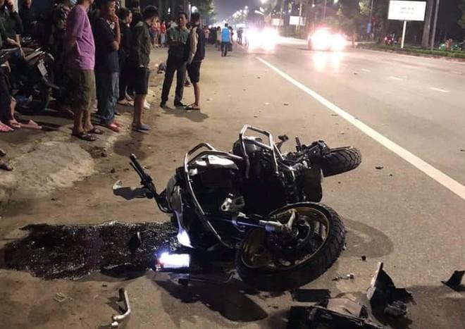 Va chạm với xe máy, lái xe moto phân khối lớn tử vong ảnh 1