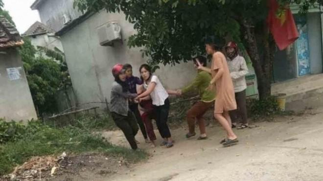 Nhóm phụ nữ bị truy tố vì làm nhục người khác ảnh 1