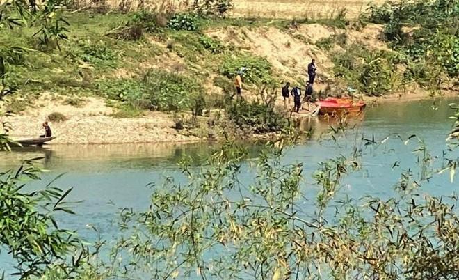 Tìm thấy thi thể thầy hiệu trưởng trên sông Lam ảnh 1