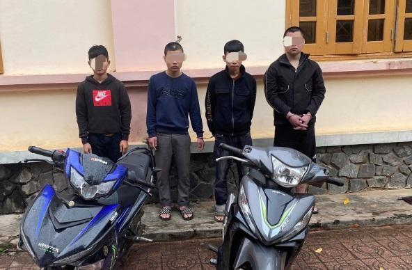 Bắt giữ 4 đối tượng chặn xe cướp tài sản của người đi đường ảnh 1