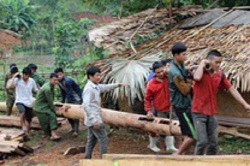 Người đàn ông bị cột gỗ đè tử vong khi dựng nhà ảnh 1