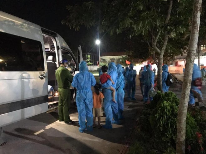Nghệ An: Phong tỏa 5 thôn, 1 bệnh viện liên quan đến ca dương tính Covid -19 đầu tiên ảnh 1