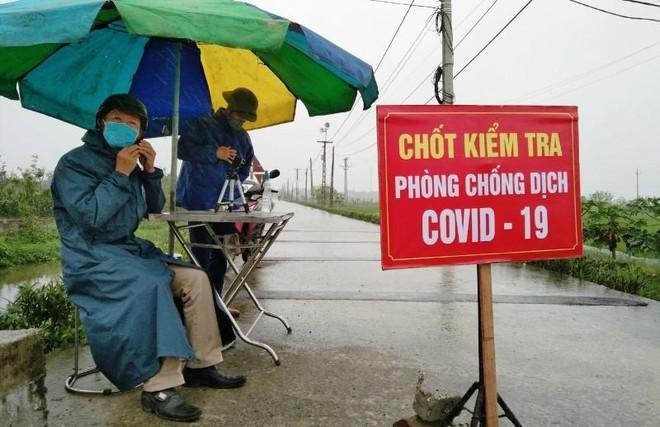 Nghệ An: Dừng hoạt động không thiết yếu ở 5 địa phương giáp với Hà Tĩnh ảnh 1