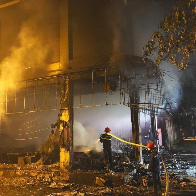 Cháy phòng trà trong đêm ở Nghệ An, 6 người tử vong ảnh 2