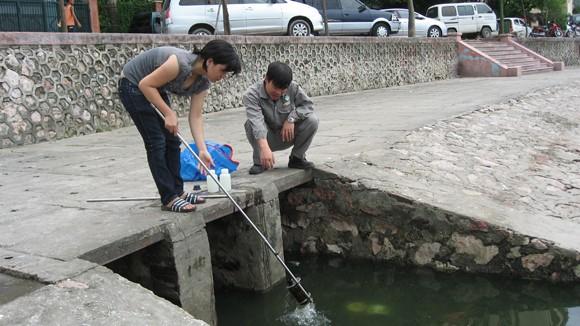 Sự cố tràn dầu Diezel vào hồ Giảng Võ ảnh 2