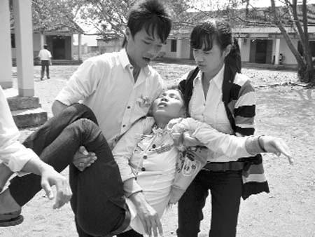 Tin thêm vụ học sinh ngất xỉu hàng loạt tại Quảng Nam ảnh 1