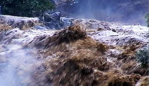 Lũ ống cuốn trôi 4 người dân tỉnh Quảng Nam ảnh 1