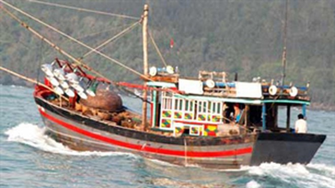 Cứu sống 6 ngư dân trôi dạt trên biển ảnh 1