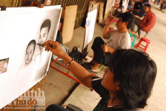 """""""Pelukis portet - truyền thần của người dân Indonesia"""" ảnh 2"""