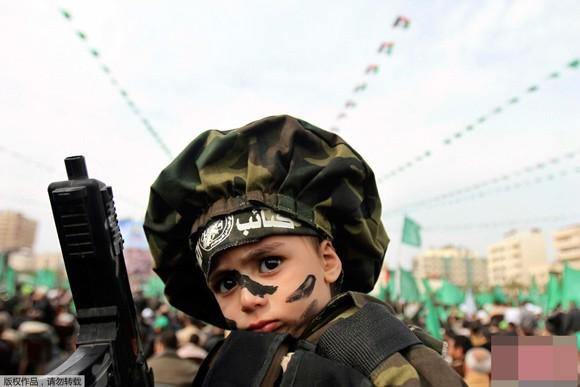 Những bức ảnh ấn tượng về trẻ em năm 2011 ảnh 12