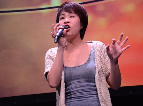 Uyên Linh bứt phá ngoạn mục trên bảng xếp hạng Bài hát yêu thích ảnh 1