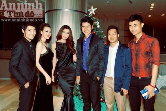 Vinh danh 10 siêu mẫu của làng thời trang Việt ảnh 2