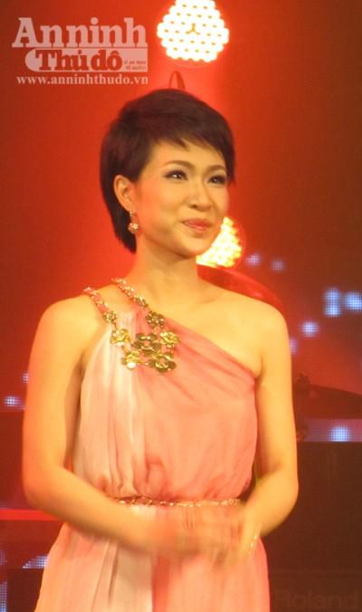 Uyên Linh chiến thắng thuyết phục Bài hát yêu thích tháng 1 ảnh 2