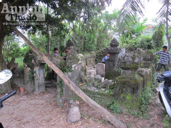 Quật mộ 300 năm tuổi để tìm...cổ vật ảnh 1