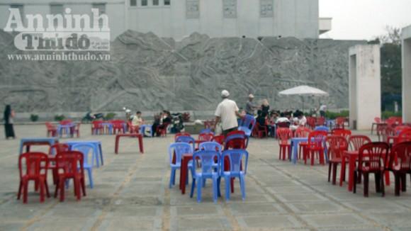 Nhếch nhác tại tượng đài chiến thắng Điện Biên Phủ ảnh 10