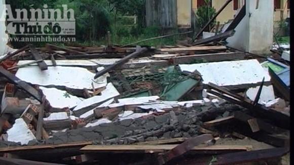 115 ngôi nhà bị sập và tốc mái trong cơn lốc xoáy ảnh 1