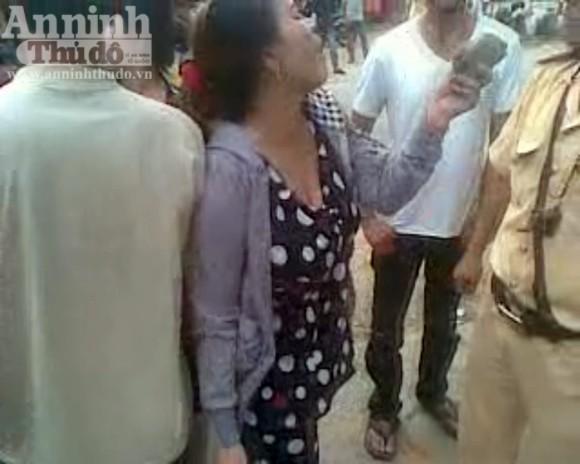 Bắt giữ hai nữ quái dùng gạch tấn công CSGT ảnh 2
