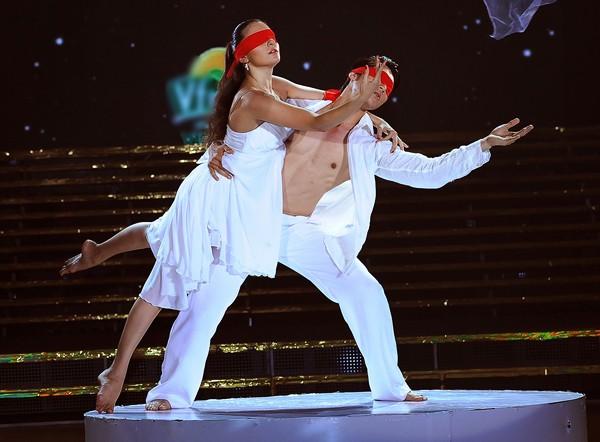 Trương Nam Thành khoe dáng chuẩn trong điệu múa đương đại ảnh 4
