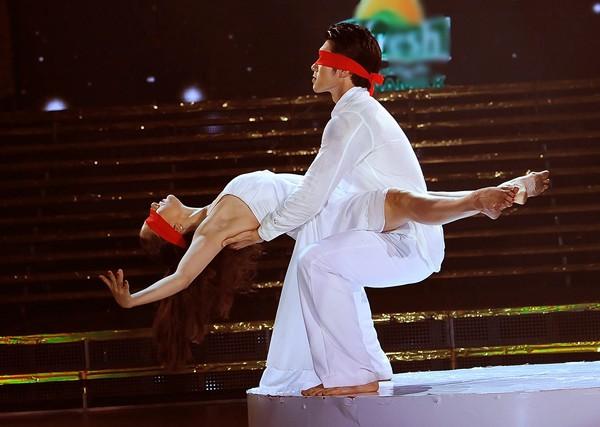 Trương Nam Thành khoe dáng chuẩn trong điệu múa đương đại ảnh 5