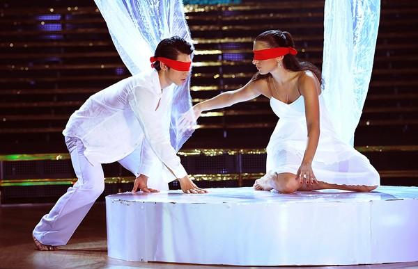 Trương Nam Thành khoe dáng chuẩn trong điệu múa đương đại ảnh 2