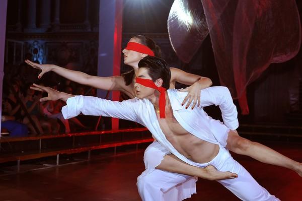 Trương Nam Thành khoe dáng chuẩn trong điệu múa đương đại ảnh 7