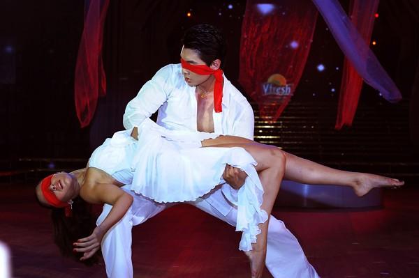 Trương Nam Thành khoe dáng chuẩn trong điệu múa đương đại ảnh 9