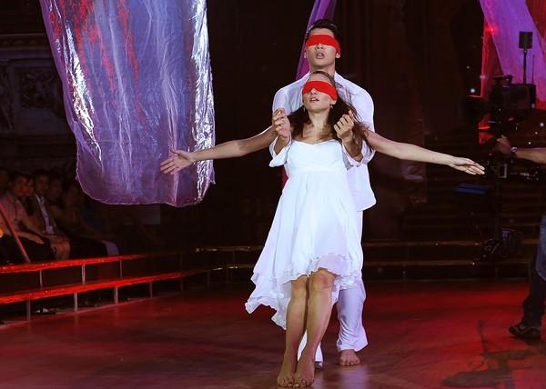 Trương Nam Thành khoe dáng chuẩn trong điệu múa đương đại ảnh 8