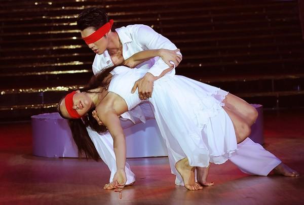 Trương Nam Thành khoe dáng chuẩn trong điệu múa đương đại ảnh 10