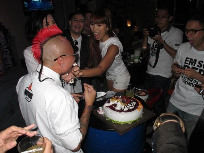 Hà Anh quậy tưng bừng trong tiệc sinh nhật Antoneus Maximus ảnh 3