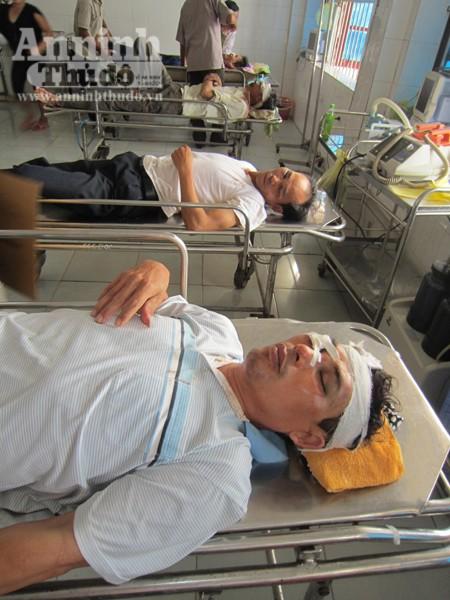 Hà Tĩnh: Người dân bao vây đập phá trụ sở xã, hành hung cán bộ ảnh 2