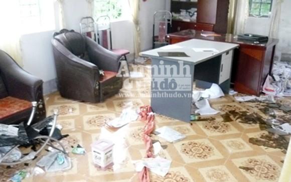 Hà Tĩnh: Người dân bao vây đập phá trụ sở xã, hành hung cán bộ ảnh 1