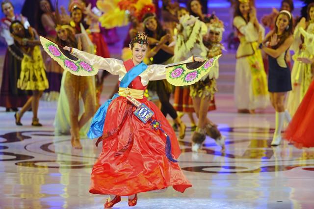 Chủ nhà Trung Quốc lên ngôi Miss World không thuyết phục ảnh 17