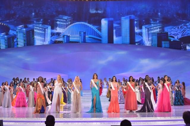 Chủ nhà Trung Quốc lên ngôi Miss World không thuyết phục ảnh 1