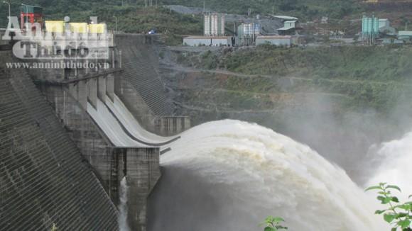 Quảng Nam: Liên tiếp xảy ra dư chấn mạnh ảnh 1