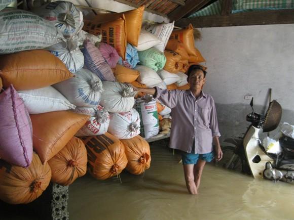 Hơn 5000 ngôi nhà nhấn chìm, 5 người chết, hàng chục người bị thương ảnh 8
