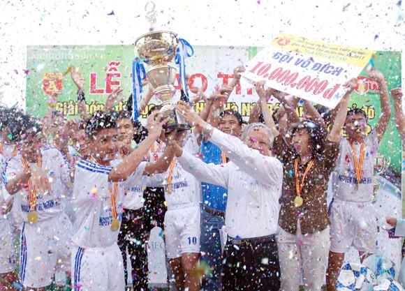 Giải bóng đá học sinh THPT Hà Nội - Báo ANTĐ lần thứ XII - 2012 ảnh 1
