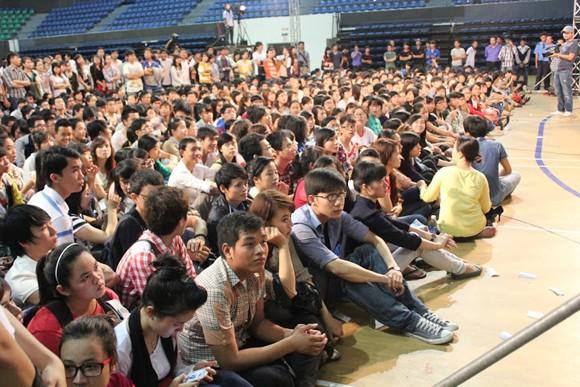 """Sinh viên Đà Nẵng bị các ngôi sao Idol """"tấn công"""" ảnh 3"""
