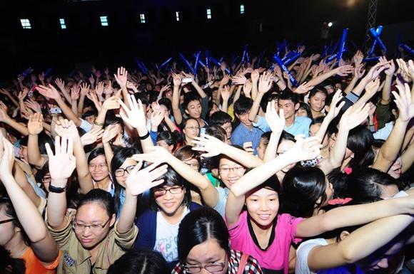 """Sinh viên Đà Nẵng bị các ngôi sao Idol """"tấn công"""" ảnh 5"""