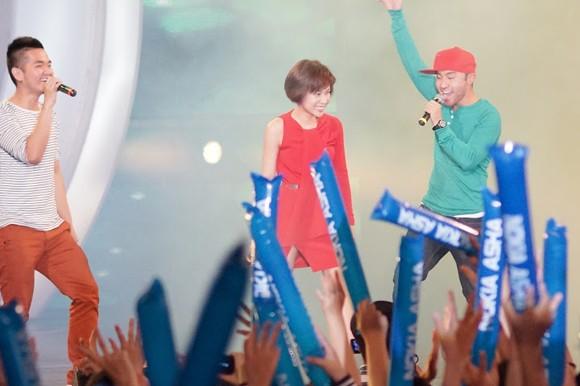 """Sinh viên Đà Nẵng bị các ngôi sao Idol """"tấn công"""" ảnh 4"""