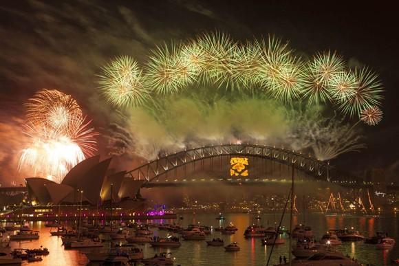 Người dân thế giới đón mừng năm mới 2013 ảnh 17