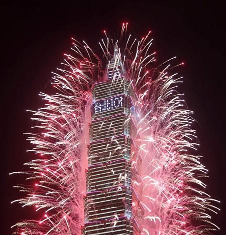 Người dân thế giới đón mừng năm mới 2013 ảnh 19