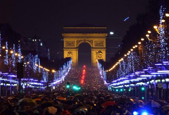 Người dân thế giới đón mừng năm mới 2013 ảnh 13
