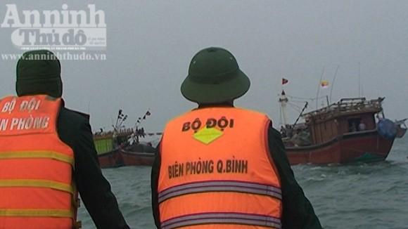 Quảng Bình: Tàu cá thứ ba bị mất tích trên biển ảnh 3