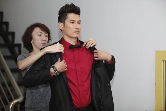"""""""Đột nhập"""" hậu trường xem Top 3 chuẩn bị cho đêm Gala 8 ảnh 13"""