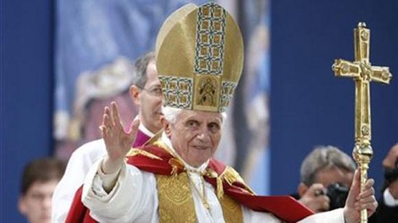 Giáo hoàng Benedict XVI từ chức vì bê bối đồng tính ở Vatican? ảnh 1