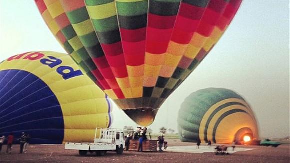 Luxor, Ai Cập: Cấm bay bằng khinh khí cầu ảnh 1