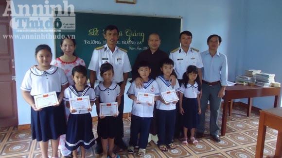 Tuyển 6 giáo viên tiểu học cho huyện đảo Trường Sa ảnh 1
