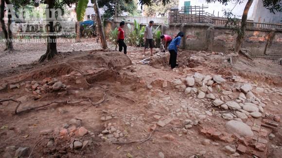 Phát hiện những dấu tích đầu tiên nghi là di tích thành Sam Mứn thời Lê ảnh 2