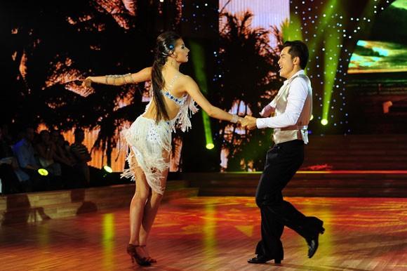 Yến Trang tỏa sáng với điệu nhảy Quickstep ảnh 9